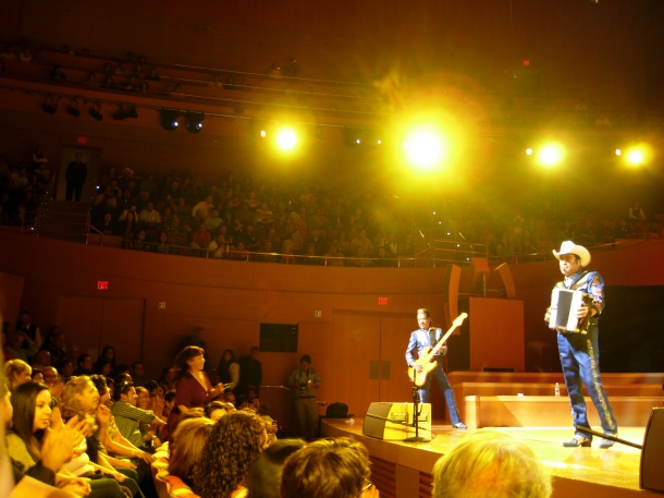 Los Tigres del Norte wow the audience at Disney Hall