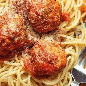 [Blog] We All Love Spaghetti and Meatballs | Todos Amamos a Espagueti con Albóndigas