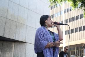 [Annenberg Radio] Singing for detainees behind thewalls