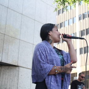 [Annenberg Radio] Singing for detainees behind the walls